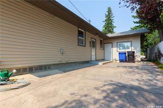 Photo 39: 220 Lake Crescent in Saskatoon: Grosvenor Park Residential for sale : MLS®# SK744275