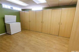 Photo 36: 220 Lake Crescent in Saskatoon: Grosvenor Park Residential for sale : MLS®# SK744275