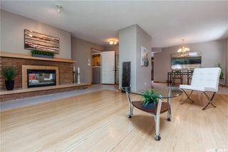 Photo 5: 220 Lake Crescent in Saskatoon: Grosvenor Park Residential for sale : MLS®# SK744275