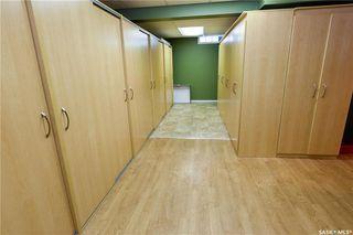 Photo 37: 220 Lake Crescent in Saskatoon: Grosvenor Park Residential for sale : MLS®# SK744275