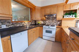 Photo 17: 220 Lake Crescent in Saskatoon: Grosvenor Park Residential for sale : MLS®# SK744275