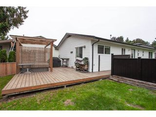 Photo 16: 18096 61 Avenue in Surrey: Cloverdale BC House for sale (Cloverdale)  : MLS®# R2312277