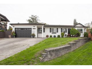Photo 1: 18096 61 Avenue in Surrey: Cloverdale BC House for sale (Cloverdale)  : MLS®# R2312277