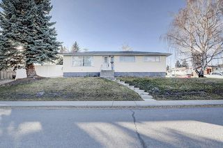 Photo 1: 2019 38 Street SW in Calgary: Glendale Detached for sale : MLS®# C4214802