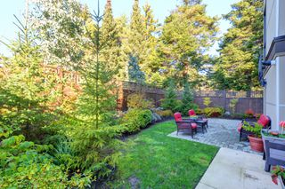 Photo 26: 1 1060 Tillicum Road in VICTORIA: Es Kinsmen Park Townhouse for sale (Esquimalt)  : MLS®# 401848