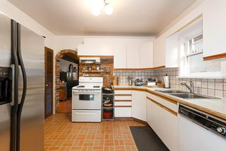 "Photo 5: 2936 W 13TH Avenue in Vancouver: Kitsilano House for sale in ""Kitsilano"" (Vancouver West)  : MLS®# R2332533"