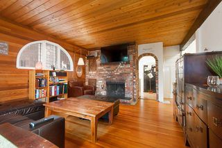 "Photo 3: 2936 W 13TH Avenue in Vancouver: Kitsilano House for sale in ""Kitsilano"" (Vancouver West)  : MLS®# R2332533"