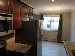 Photo 7: 304 10625 83 Avenue in Edmonton: Zone 15 Condo for sale : MLS®# E4142652