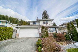 Photo 1: 621 BENTLEY Road in Port Moody: North Shore Pt Moody House for sale : MLS®# R2344544