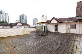 "Photo 14: 404 3668 RAE Avenue in Vancouver: Collingwood VE Condo for sale in ""RAE COURT"" (Vancouver East)  : MLS®# R2350560"