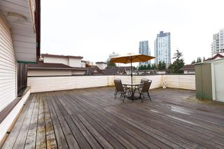 "Photo 1: 404 3668 RAE Avenue in Vancouver: Collingwood VE Condo for sale in ""RAE COURT"" (Vancouver East)  : MLS®# R2350560"