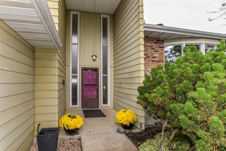 Photo 2: 24 WESTRIDGE Crescent in Edmonton: Zone 22 House for sale : MLS®# E4149854