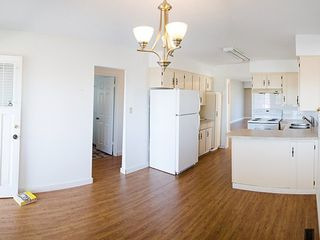 Photo 2: 2928 6TH Ave E in Vancouver East: Renfrew VE Home for sale ()  : MLS®# V998658