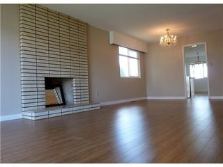 Photo 3: 2928 6TH Ave E in Vancouver East: Renfrew VE Home for sale ()  : MLS®# V998658