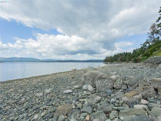 Photo 3: 11362 Chalet Road in NORTH SAANICH: NS Deep Cove Single Family Detached for sale (North Saanich)  : MLS®# 412732