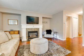 "Photo 3: 558 CARLSEN Place in Port Moody: North Shore Pt Moody Townhouse for sale in ""Eagle Point complex"" : MLS®# R2388336"