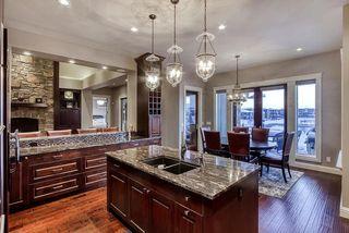 Photo 11: 2784 WHEATON Drive in Edmonton: Zone 56 House for sale : MLS®# E4173254