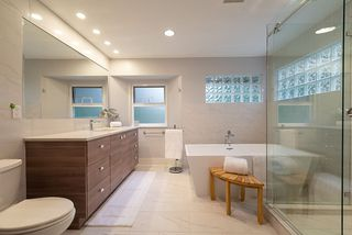 Photo 12: 5574 WOODPECKER Place in North Vancouver: Grouse Woods House for sale : MLS®# R2436026