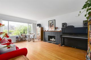 Photo 4: 3249 E 26TH Avenue in Vancouver: Renfrew Heights House for sale (Vancouver East)  : MLS®# R2480292
