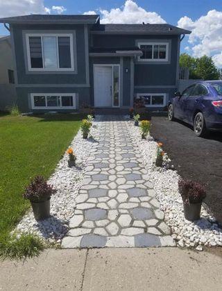 Photo 1: 1028 61 Street in Edmonton: Zone 29 House for sale : MLS®# E4211913