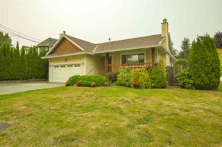 Photo 2: 17387 60 Avenue in Surrey: Cloverdale BC House for sale (Cloverdale)  : MLS®# R2500278