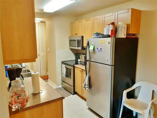 Photo 2: 320 1600 W Dufferin Cres in : Na Central Nanaimo Condo for sale (Nanaimo)  : MLS®# 860359