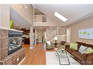 Photo 9: 3211 Ernhill Pl in VICTORIA: La Walfred Row/Townhouse for sale (Langford)  : MLS®# 590123