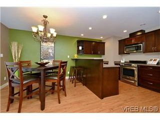 Photo 12: 3211 Ernhill Pl in VICTORIA: La Walfred Row/Townhouse for sale (Langford)  : MLS®# 590123