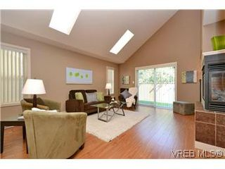 Photo 10: 3211 Ernhill Pl in VICTORIA: La Walfred Row/Townhouse for sale (Langford)  : MLS®# 590123