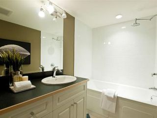 Photo 18: HUGE 2-BR FULLY RENOVATED SUITE!