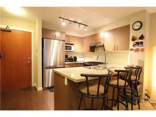 Photo 2: 104 3097 Lincoln Avenue in Coquitlam: New Horizons Condo for sale : MLS®# v979842
