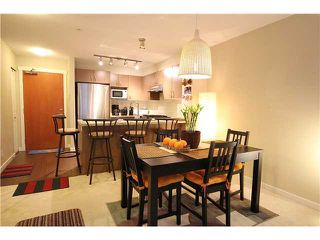 Photo 3: 104 3097 Lincoln Avenue in Coquitlam: New Horizons Condo for sale : MLS®# v979842