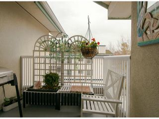 """Photo 4: 301 15272 20TH Avenue in Surrey: King George Corridor Condo for sale in """"WINDSOR COURT"""" (South Surrey White Rock)  : MLS®# F1324967"""