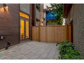 "Photo 4: 35 E 13TH Avenue in Vancouver: Mount Pleasant VE Townhouse for sale in ""Main ST"" (Vancouver East)  : MLS®# V1071225"