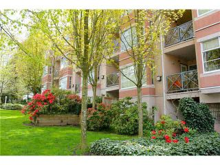 Main Photo: 307 2388 TRIUMPH Street in Vancouver: Hastings Condo for sale (Vancouver East)  : MLS®# V1094693