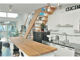 """Main Photo: 415 7418 BYRNEPARK Walk in Burnaby: South Slope Condo for sale in """"GREEN"""" (Burnaby South)  : MLS®# V1116445"""