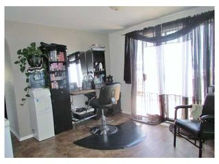 """Photo 7: 10439 100A Street: Taylor Manufactured Home for sale in """"TAYLOR"""" (Fort St. John (Zone 60))  : MLS®# N245044"""