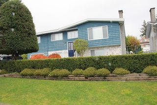 Photo 3: 467 LAKEVIEW Street in Coquitlam: Central Coquitlam Home for sale ()  : MLS®# V979205