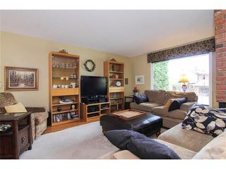 Photo 9: 416 RUNDLEHILL Way NE in Calgary: Rundle House for sale : MLS®# C4015836