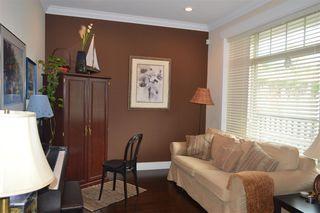 Photo 7: 609 W 24TH Close in North Vancouver: Hamilton House for sale : MLS®# R2044403
