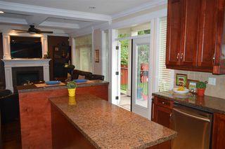 Photo 6: 609 W 24TH Close in North Vancouver: Hamilton House for sale : MLS®# R2044403
