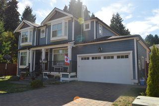 Photo 1: 609 W 24TH Close in North Vancouver: Hamilton House for sale : MLS®# R2044403