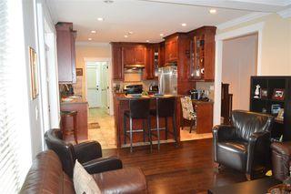 Photo 3: 609 W 24TH Close in North Vancouver: Hamilton House for sale : MLS®# R2044403