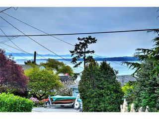 Photo 2: 445 Constance Ave in VICTORIA: Es Saxe Point House for sale (Esquimalt)  : MLS®# 728059
