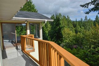 Photo 4: 5704 CARMEL Place in Sechelt: Sechelt District House for sale (Sunshine Coast)  : MLS®# R2122869