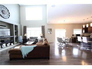 Photo 5: 113 Hill Grove Point in Winnipeg: Bridgwater Forest Residential for sale (1R)  : MLS®# 1701795