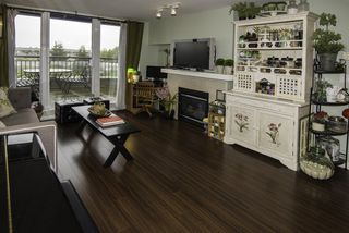 """Photo 2: 502 8460 GRANVILLE Avenue in Richmond: Brighouse South Condo for sale in """"CORONADO AT THE PALMS"""" : MLS®# R2165650"""