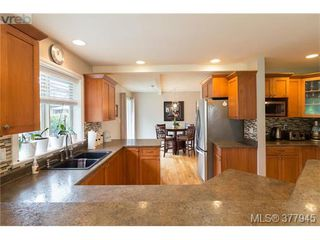 Photo 10: 928 Alton Lane in VICTORIA: La Bear Mountain House for sale (Langford)  : MLS®# 758912