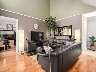 Photo 5: 408 1345 COMOX Street in Vancouver: West End VW Condo for sale (Vancouver West)  : MLS®# R2168839