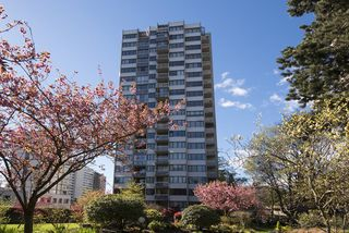 """Main Photo: 1706 1740 COMOX Street in Vancouver: West End VW Condo for sale in """"Sandpiper"""" (Vancouver West)  : MLS®# R2172816"""